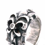 Silver Ring Facetted Body with Rivets and Straigt Lily with Meteorite