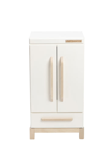 Play Refrigerator / White