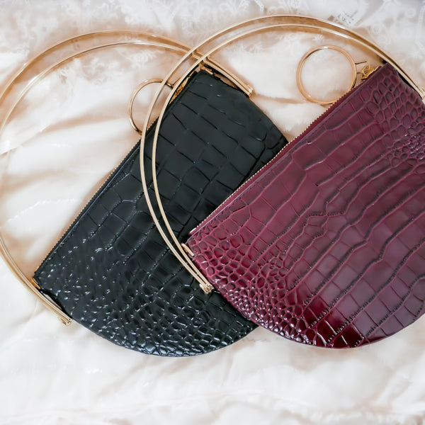 Half-moon Bag in Schwarz und Bordeaux