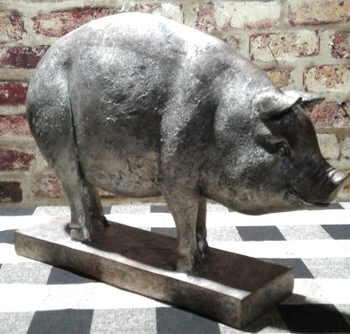 Rustic Pig Home Accent