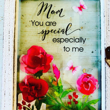 Load image into Gallery viewer, Mom Glass Plaque w\Quote