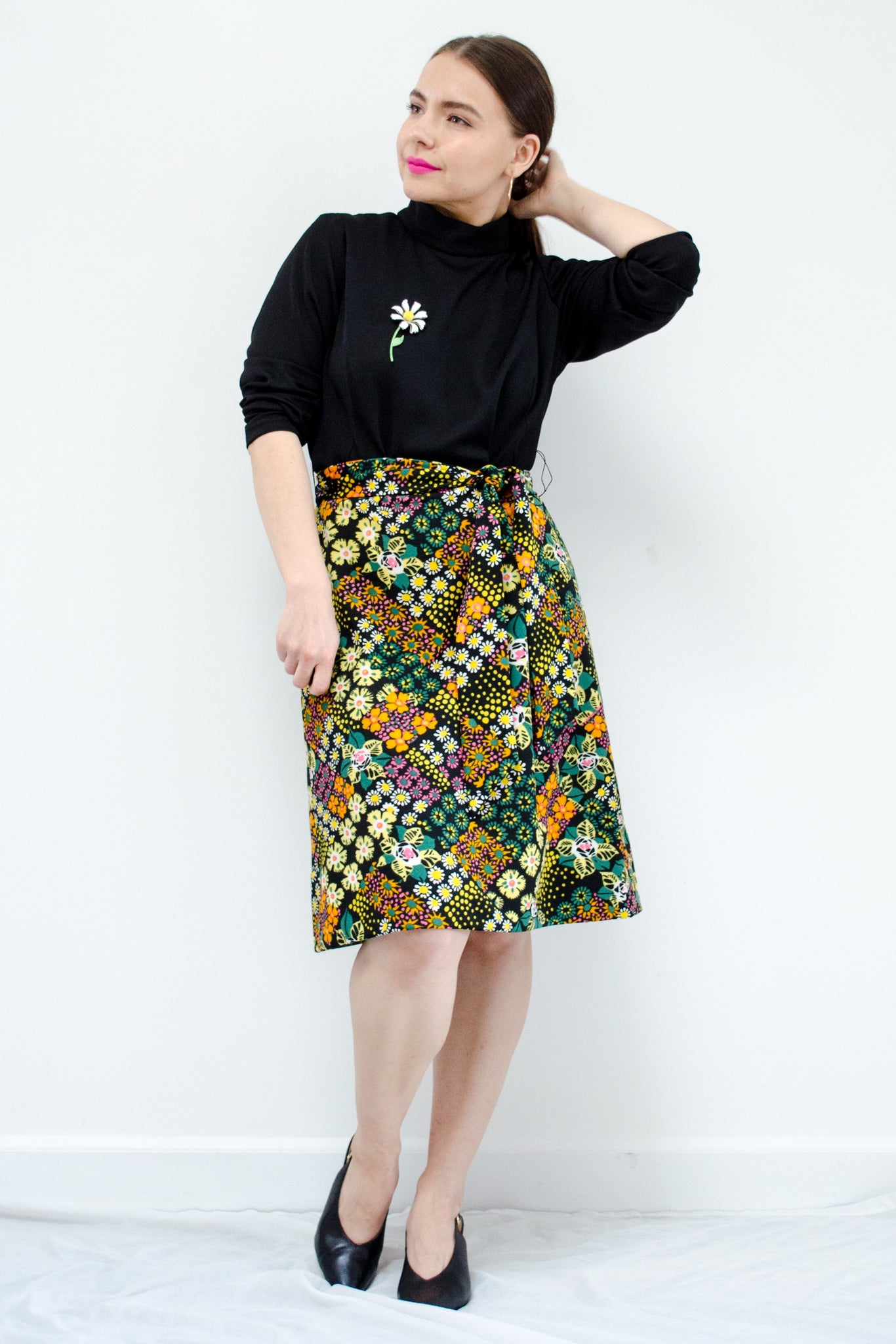 60s Black Floral Mod Dress / S-M