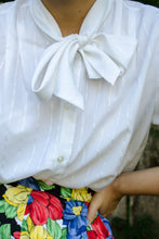 Load image into Gallery viewer, Vintage 70s White Bow Blouse / S-M
