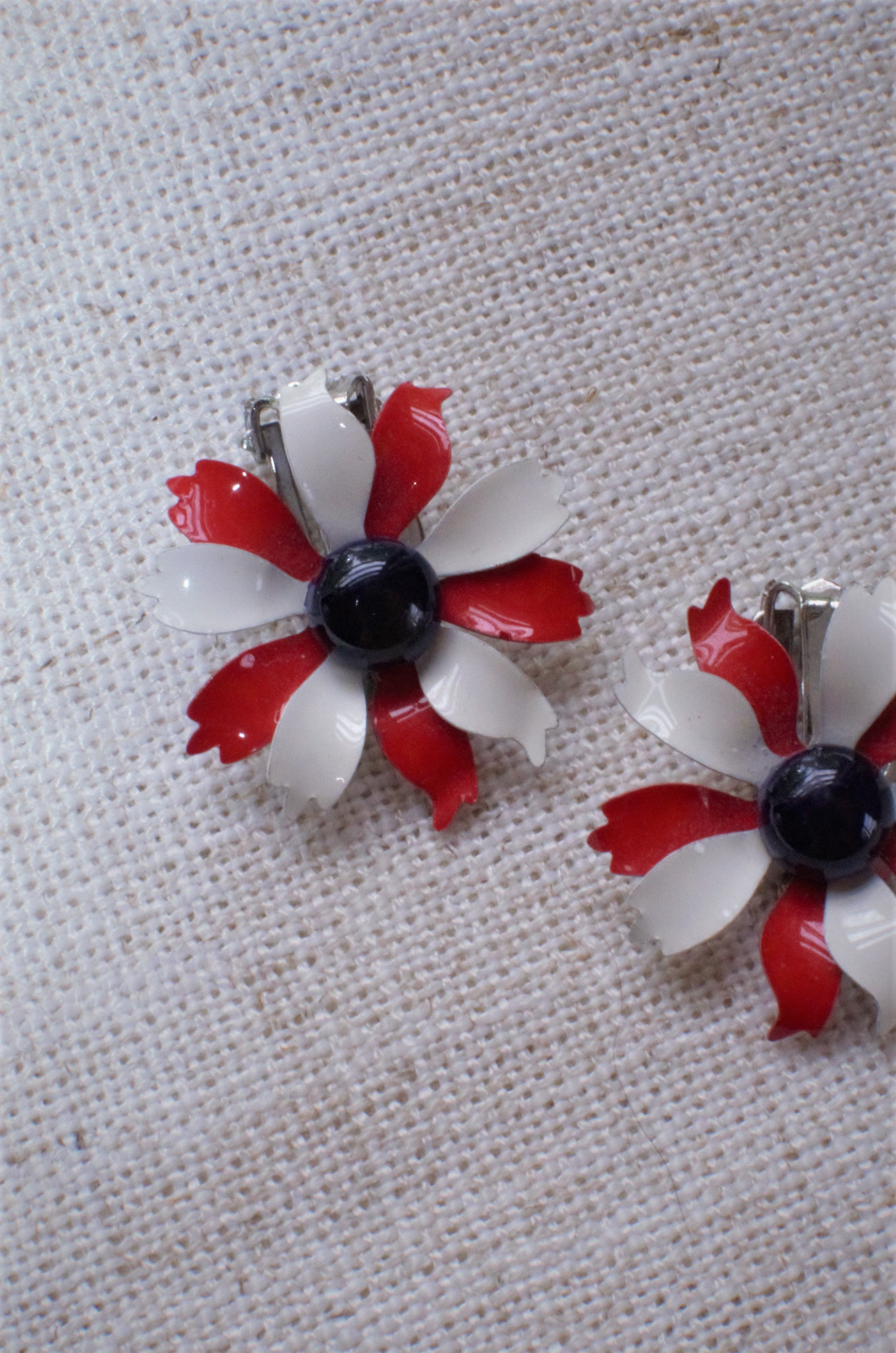 Vintage 70s Red and White Floral Clip Ons