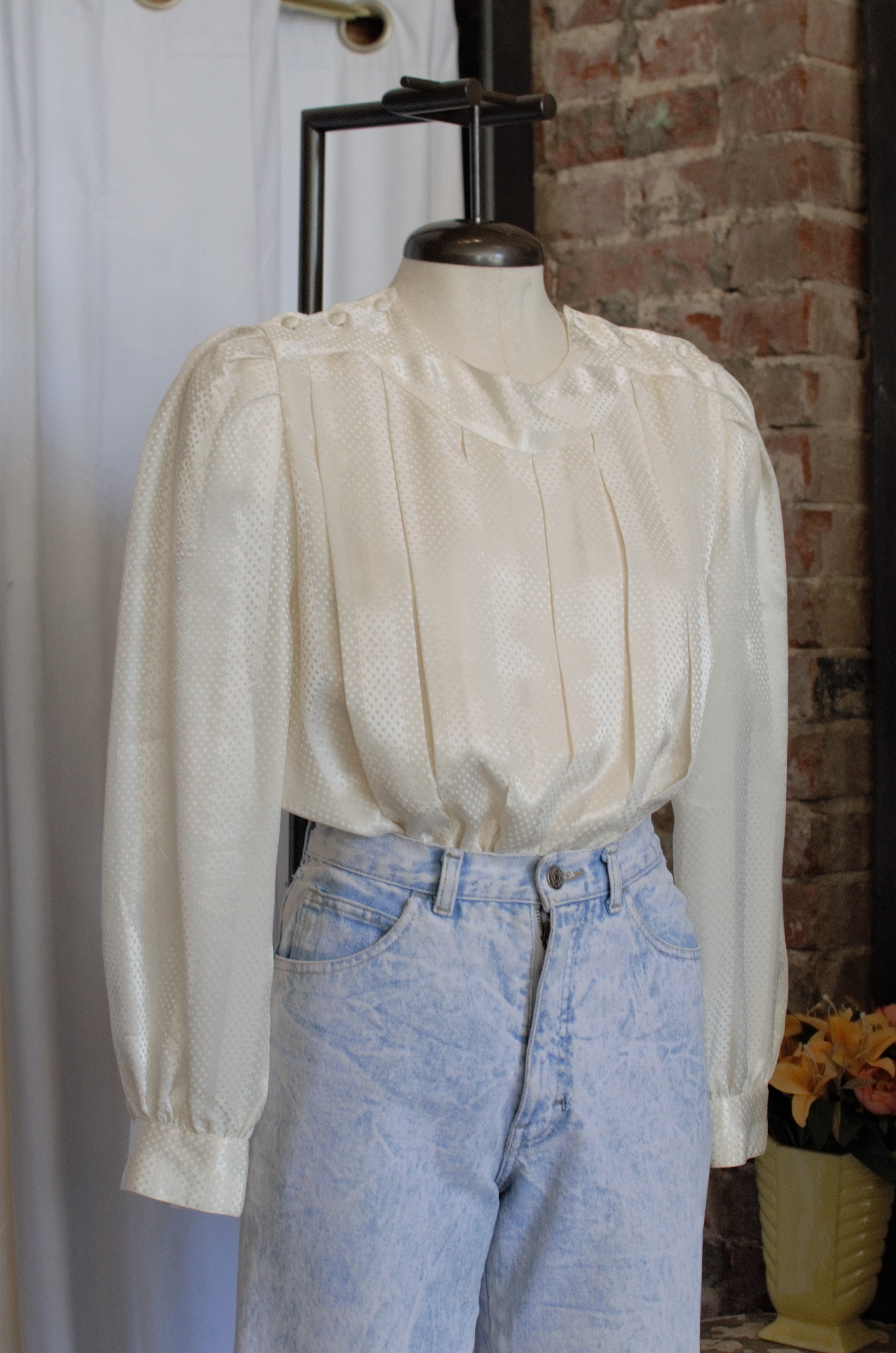 1980s White Dot Pleated Blouse / Medium