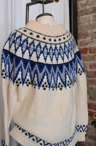 Vintage Ivory & Blue Fairisle Cozy Sweater / Medium - XLarge