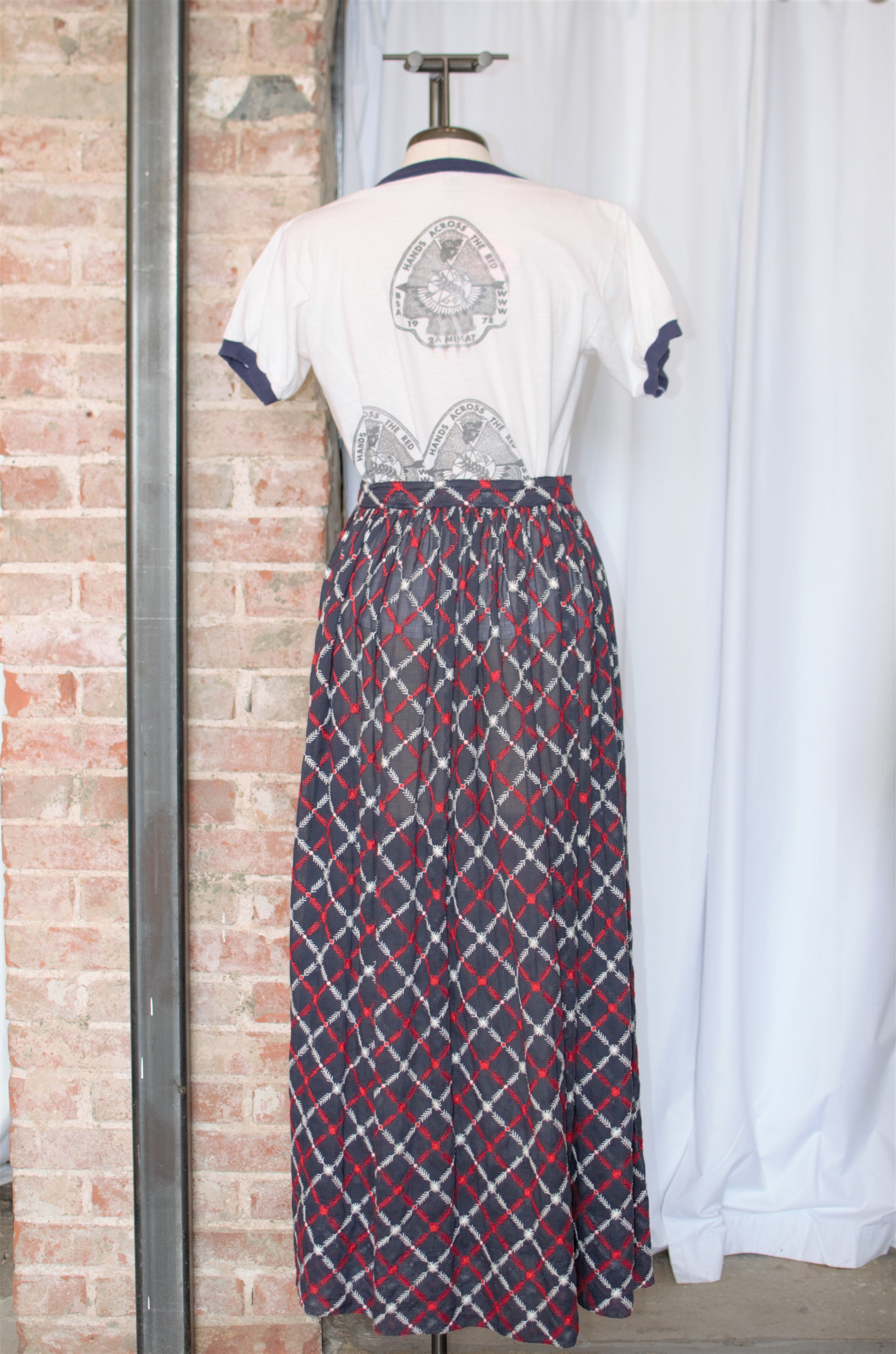 1970s Navy Embroidered Long Skirt / XSmall - Small