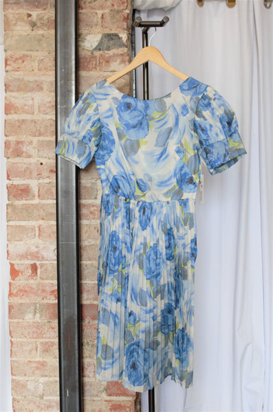 Vintage Blue & White Floral Dress / X-Small-Small