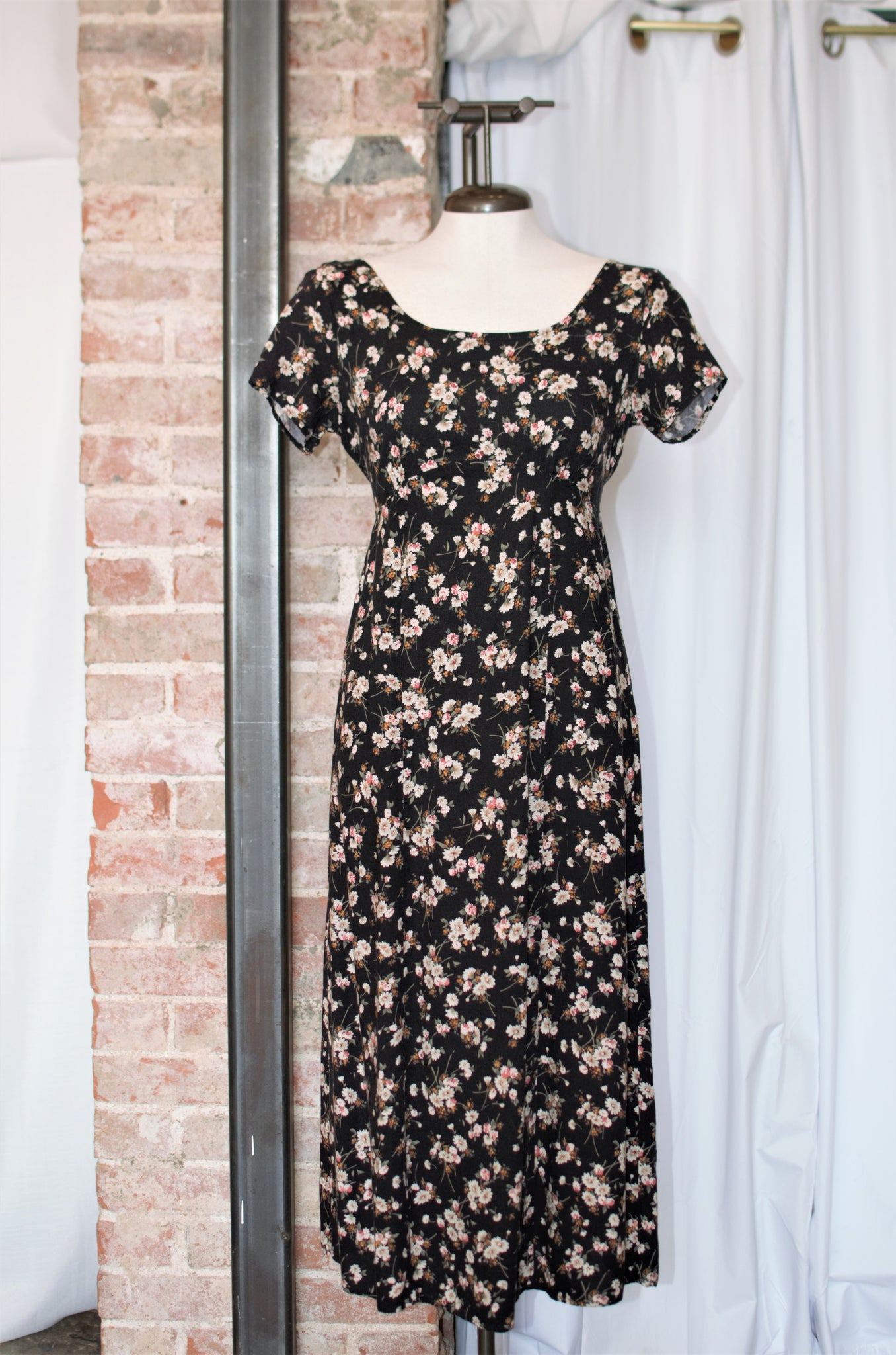 1990s Black Floral Scoopback Dress / Small