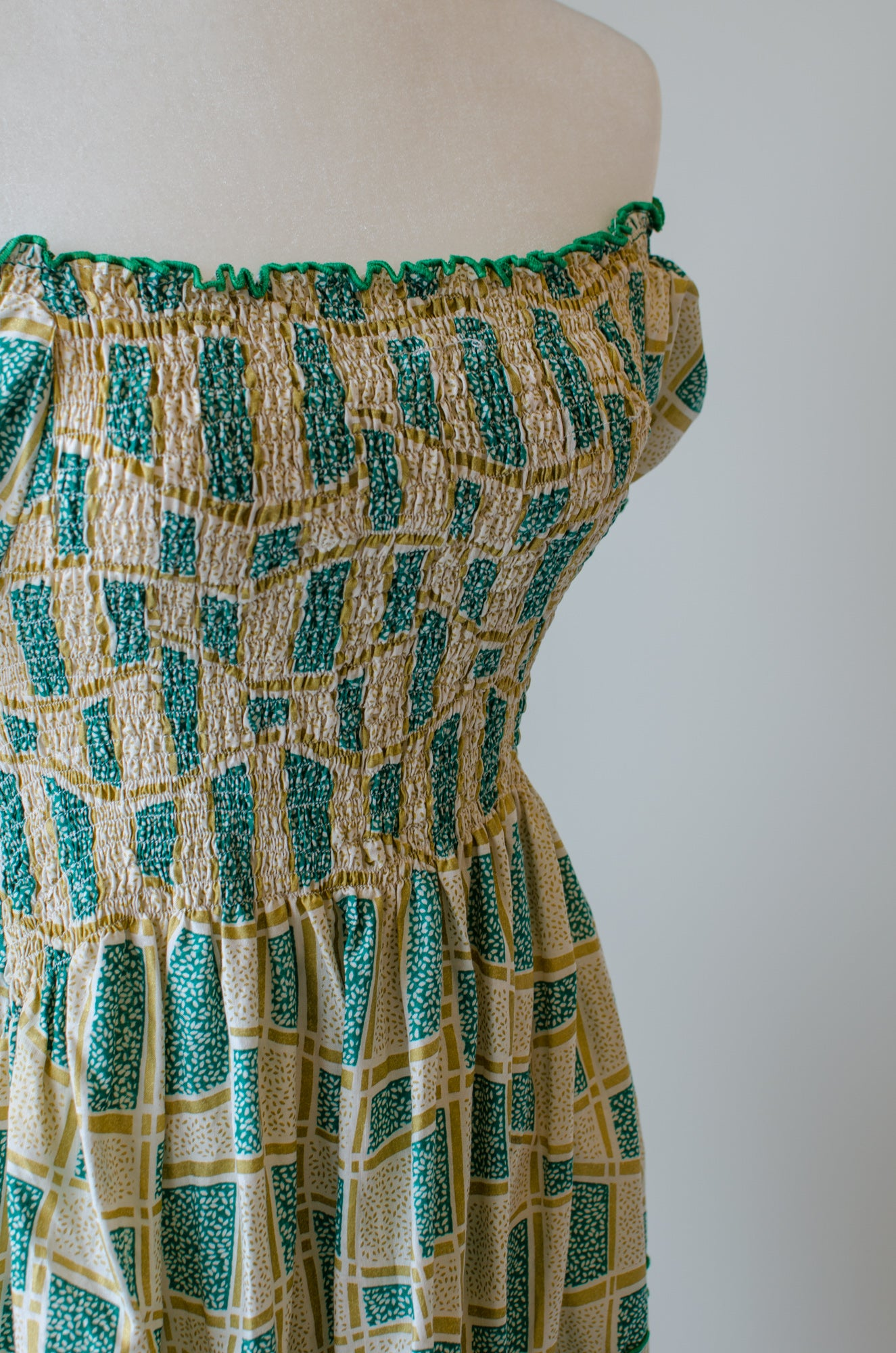 Vintage Green Smocked Dress / XS-S