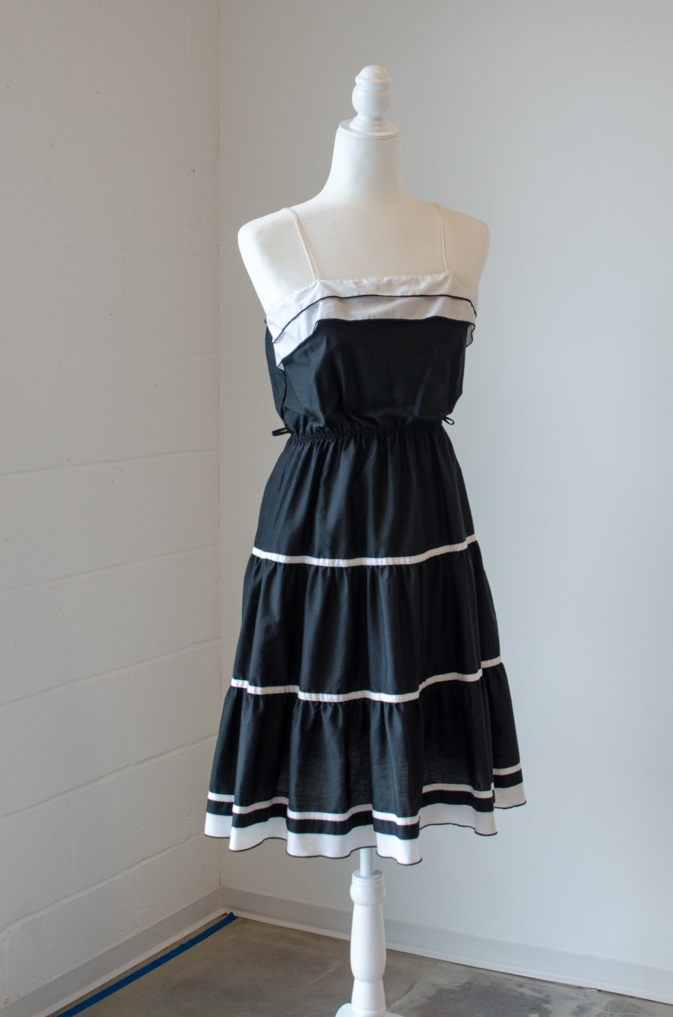 Vintage 60s-70s Black and White Ruffle Dress / S