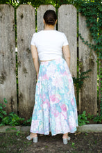 Load image into Gallery viewer, Vintage Floral Tiered Skirt / S-M