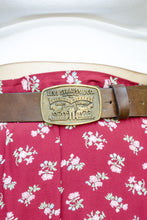 Load image into Gallery viewer, Vintage Levi's Brown Leather Belt / S