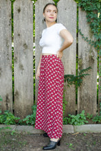 Load image into Gallery viewer, Vintage Red Floral Skirt / S-M