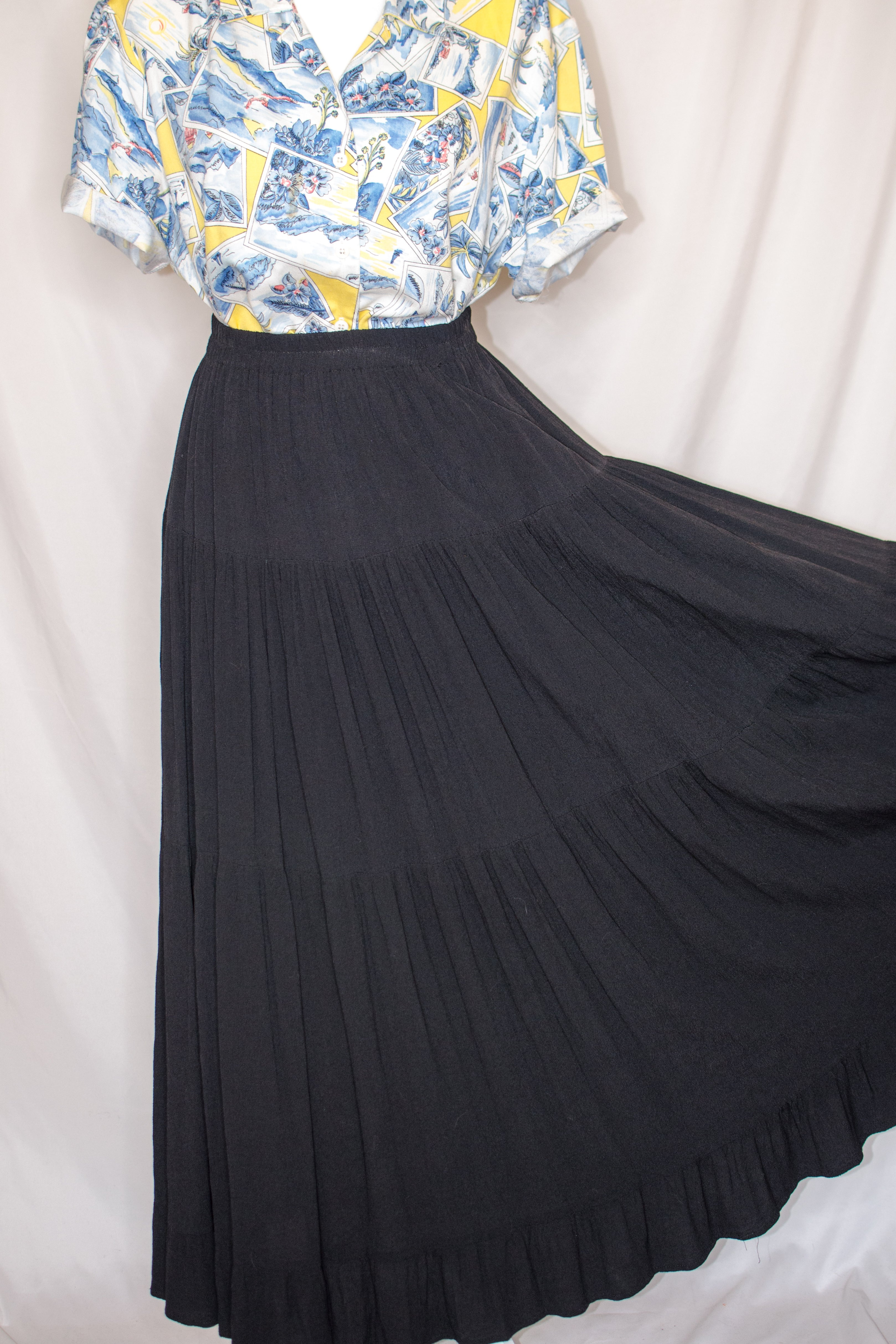 Vintage 70s Black Tiered Maxi Skirt / S-M