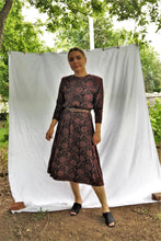 Load image into Gallery viewer, Vintage 90s Red Paisley Midi Dress / S