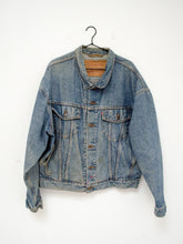 Load image into Gallery viewer, Vintage Levi's Denim Jacket / XL
