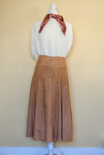 Load image into Gallery viewer, Vintage Camel Suede Skirt / S-M