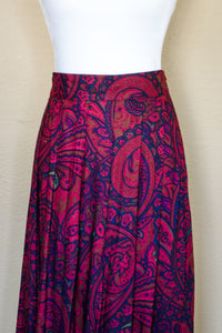 Vintage Red Paisley Skirt / M-L