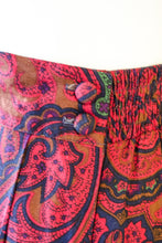 Load image into Gallery viewer, Vintage Red Paisley Skirt / M-L