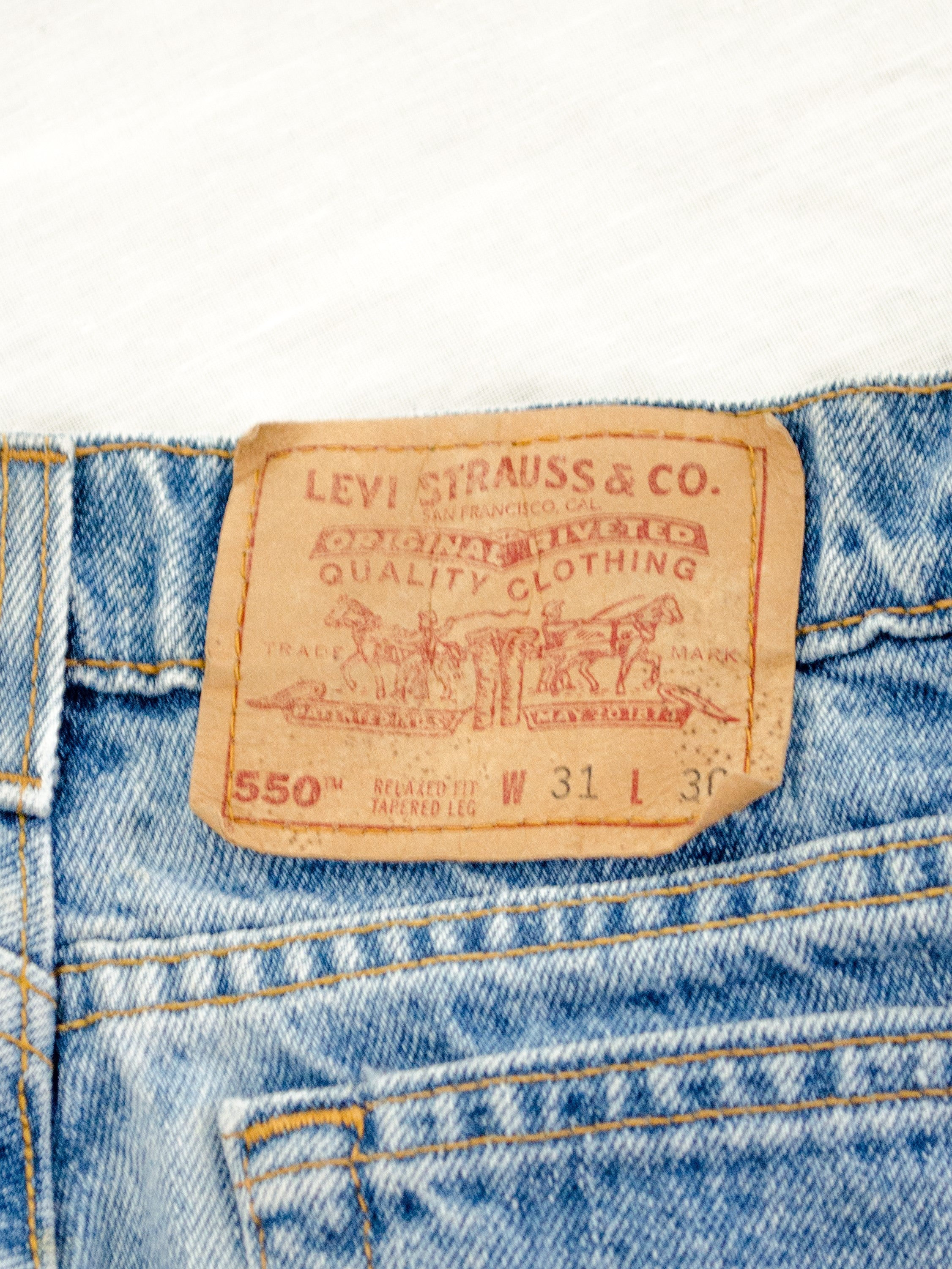 Vintage Levis Tapered Light Wash Jeans / M