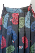 Load image into Gallery viewer, Vintage 80s Black Paisley Skirt / XS-S