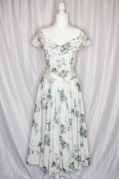 Handmade White Floral Fit and Flare Dress / M