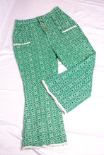 Load image into Gallery viewer, Vintage Green Cropped Pants / XS