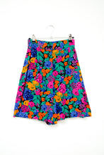 Load image into Gallery viewer, Vintage Floral Shorts / XS