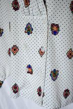 Load image into Gallery viewer, 80s White and Black Printed Shirt / S-M