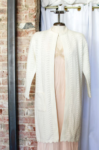 1950s Ivory Scallop Knit Sweater Cardigan / Small