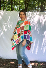 Load image into Gallery viewer, Vintage 70s Crochet Shawl / One Size