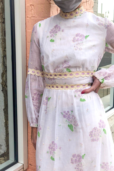 Vintage White & Lilac Floral Prairie Dress / XSmall - Small