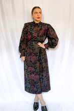 Load image into Gallery viewer, Vintage 70s-80s Navy Floral Dress / M