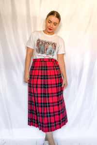 Vintage Red and Black Plaid Skirt / S-M