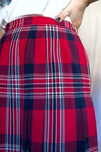 Vintage 70s-80s Red and Navy Plaid Skirt / S-M