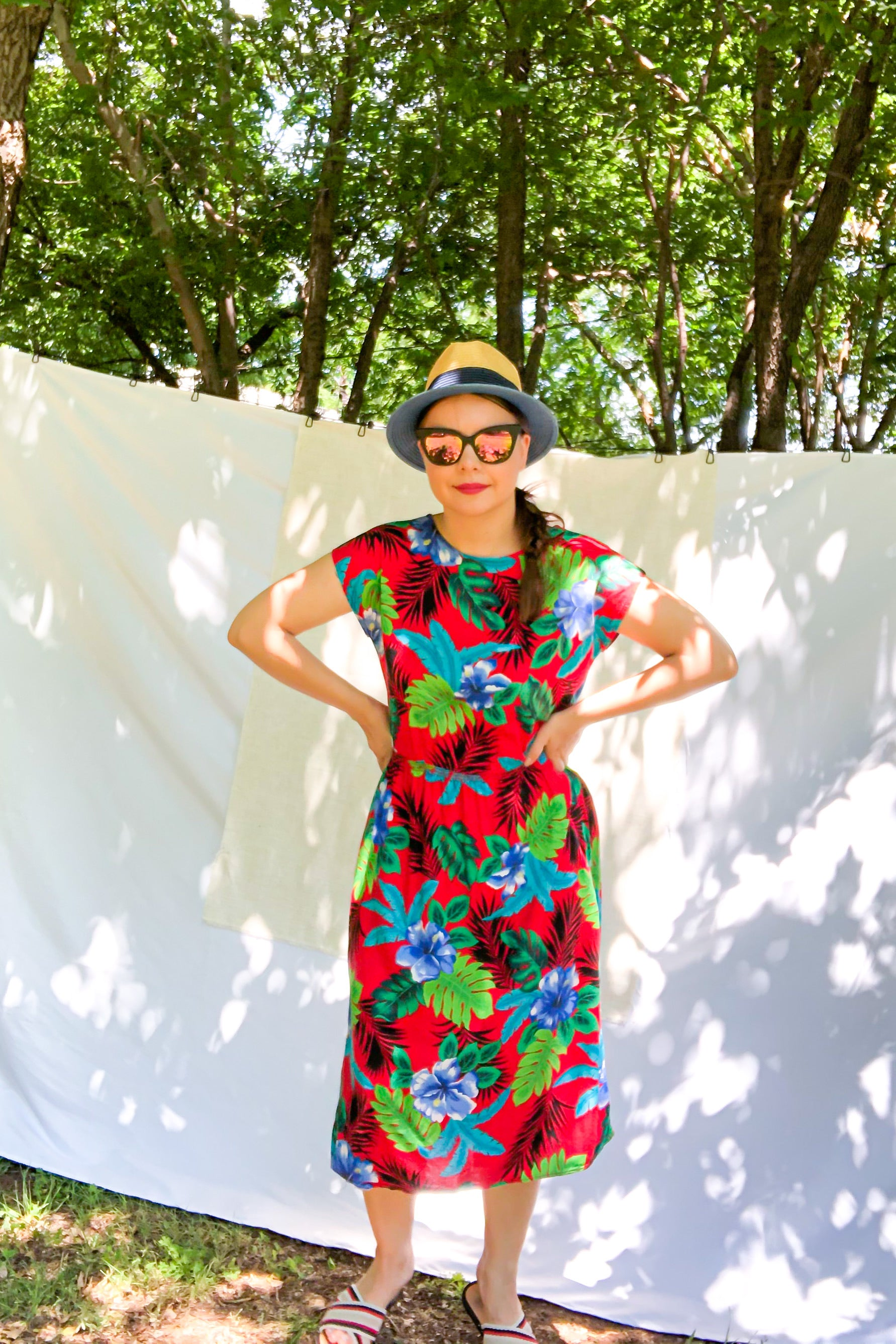 Vintage 80s-90s Red Hawaiian Floral Dress / S-M