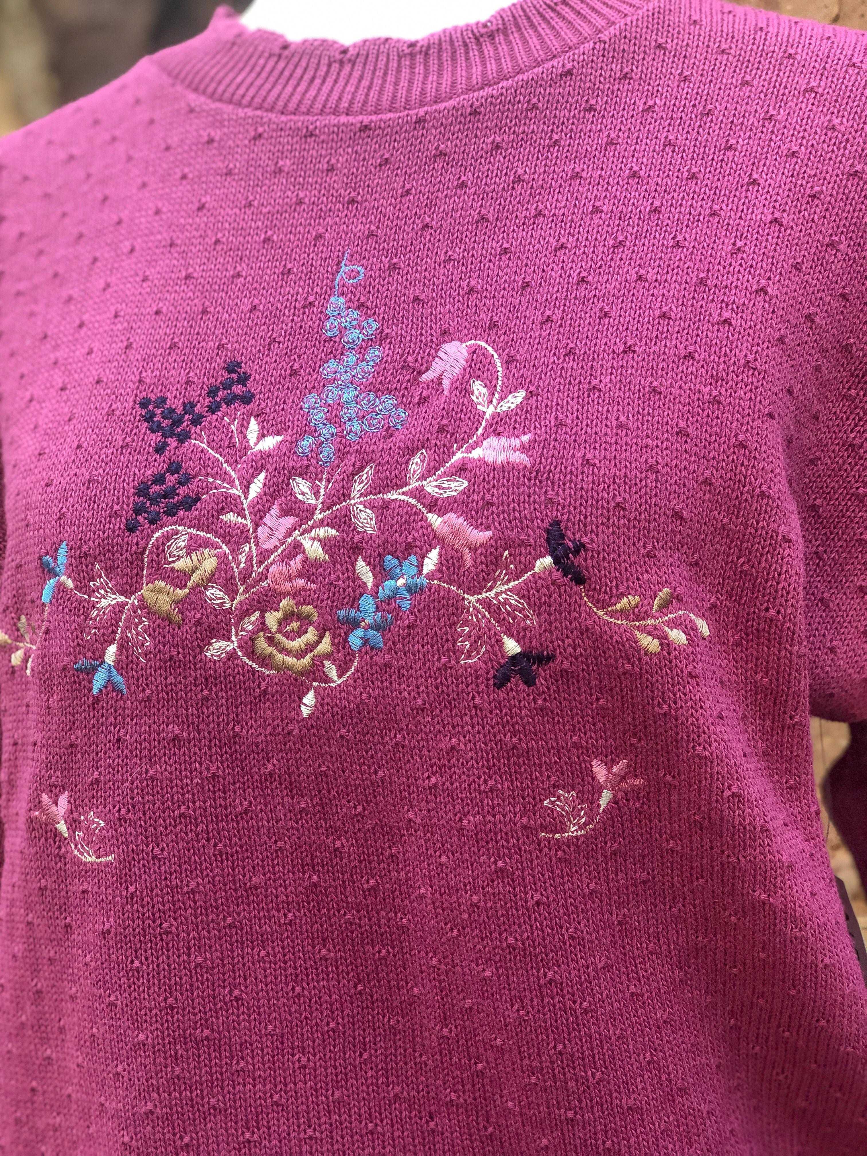 Vintage 80s Pink Embroidered Sweater / S-M