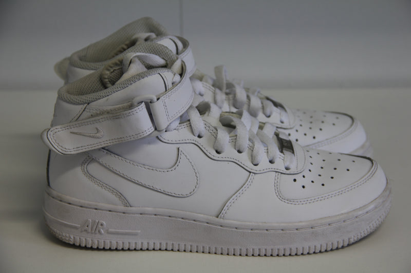 Nike Air Force 1 Hvítir Háir Skór // 37.5