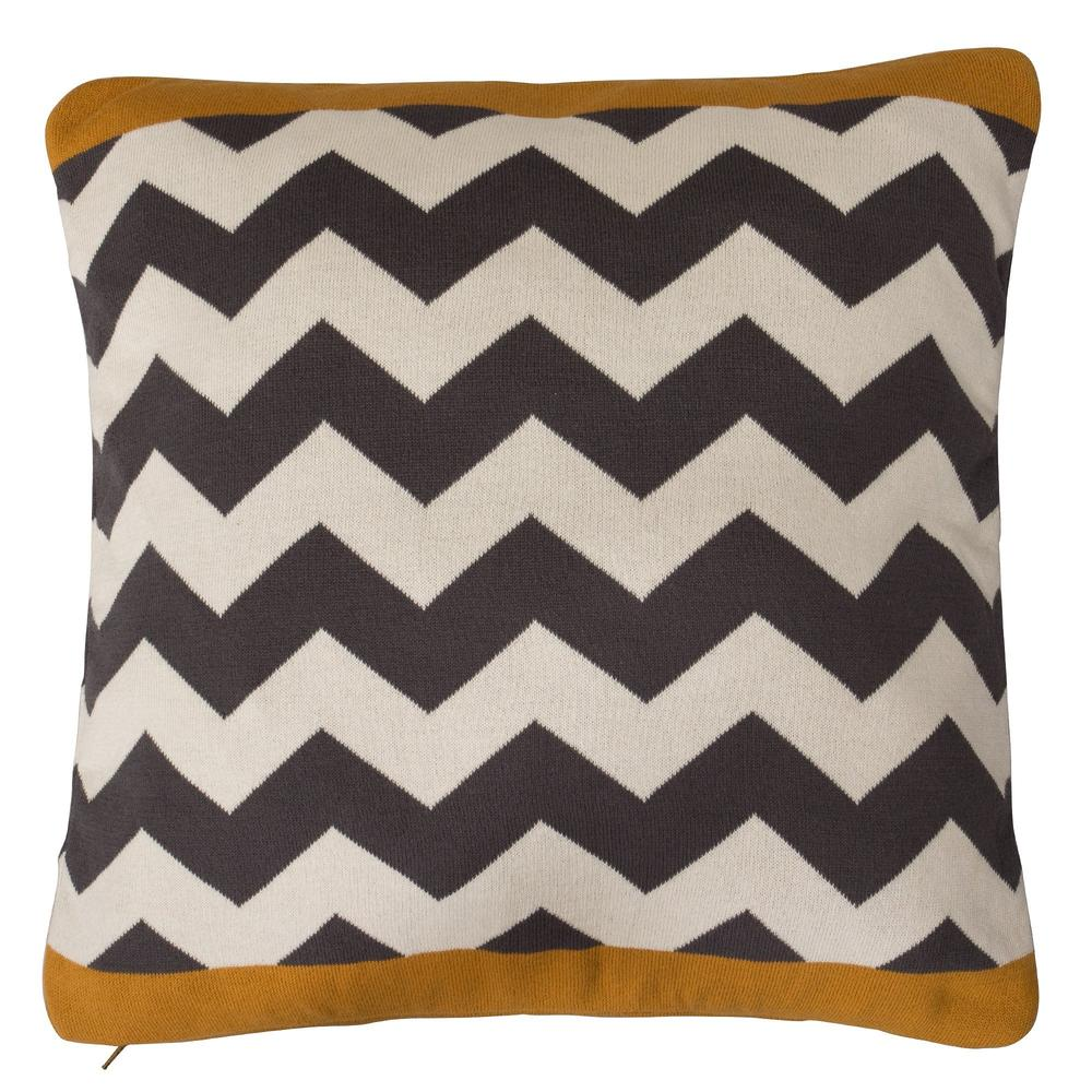 scatter-cushion-17x17-aztec_1