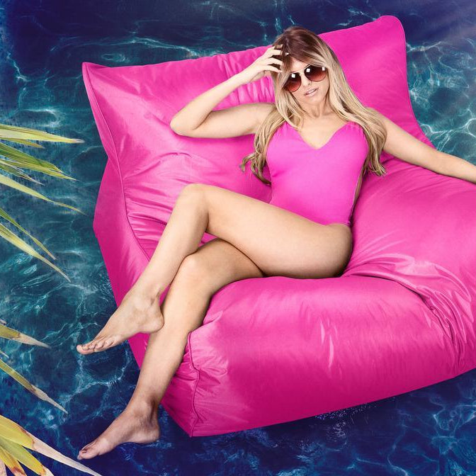 smartcanvas-huge-outdoor-swimming-pool-bean-bag-cerise-pink_2