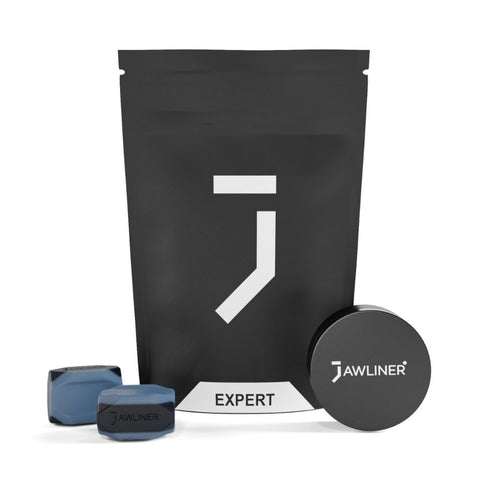 the picture shows the jawliner 3.0 Expert with the jawliner bag and the jawliner tin