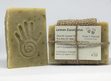 Lemon Eucalyptus has a very traditional fresh, crisp, invigorating aroma