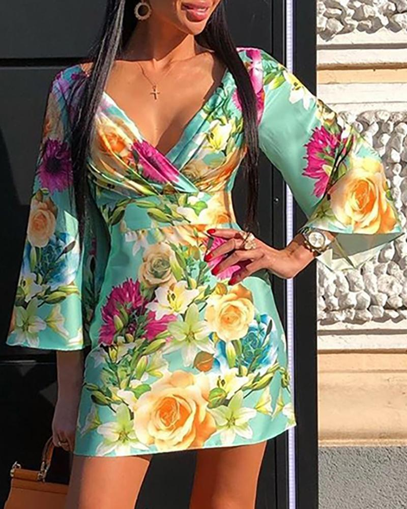 Floral Print Bell Sleeeve Ruched Dress