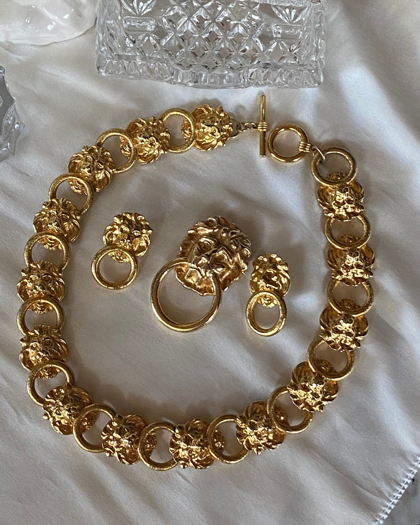 Vintage Lion Necklace Set