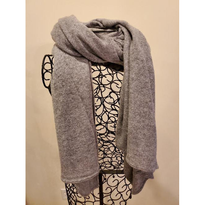 . Cashmere Oversized Cashmere Scarf / Wrap Light Grey