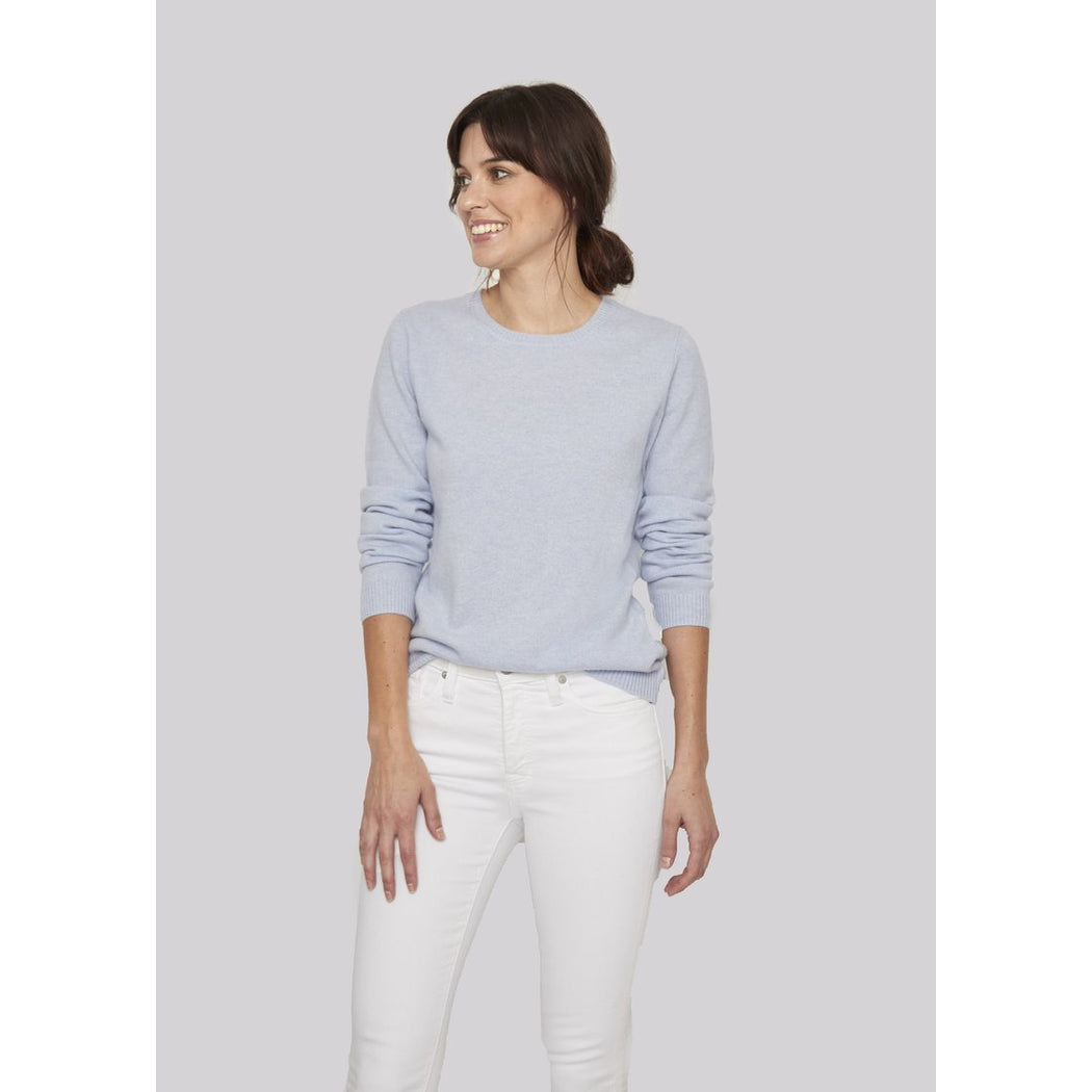 W. Cashmere | Cashmere Classic Crew Neck | Cornflower | Buy now and enjoy free domestic shipping