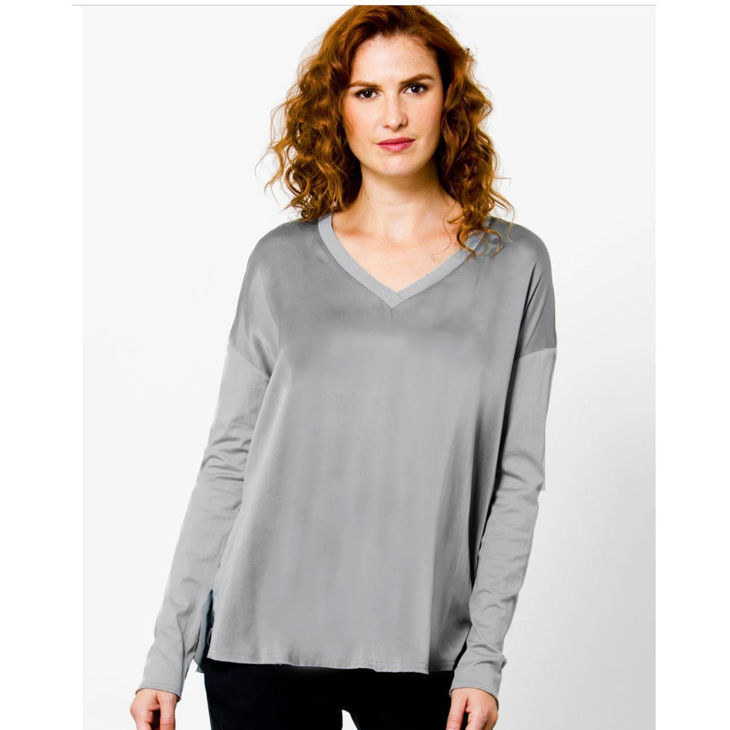 Go By Go Silk Go Vee Tee Top T820