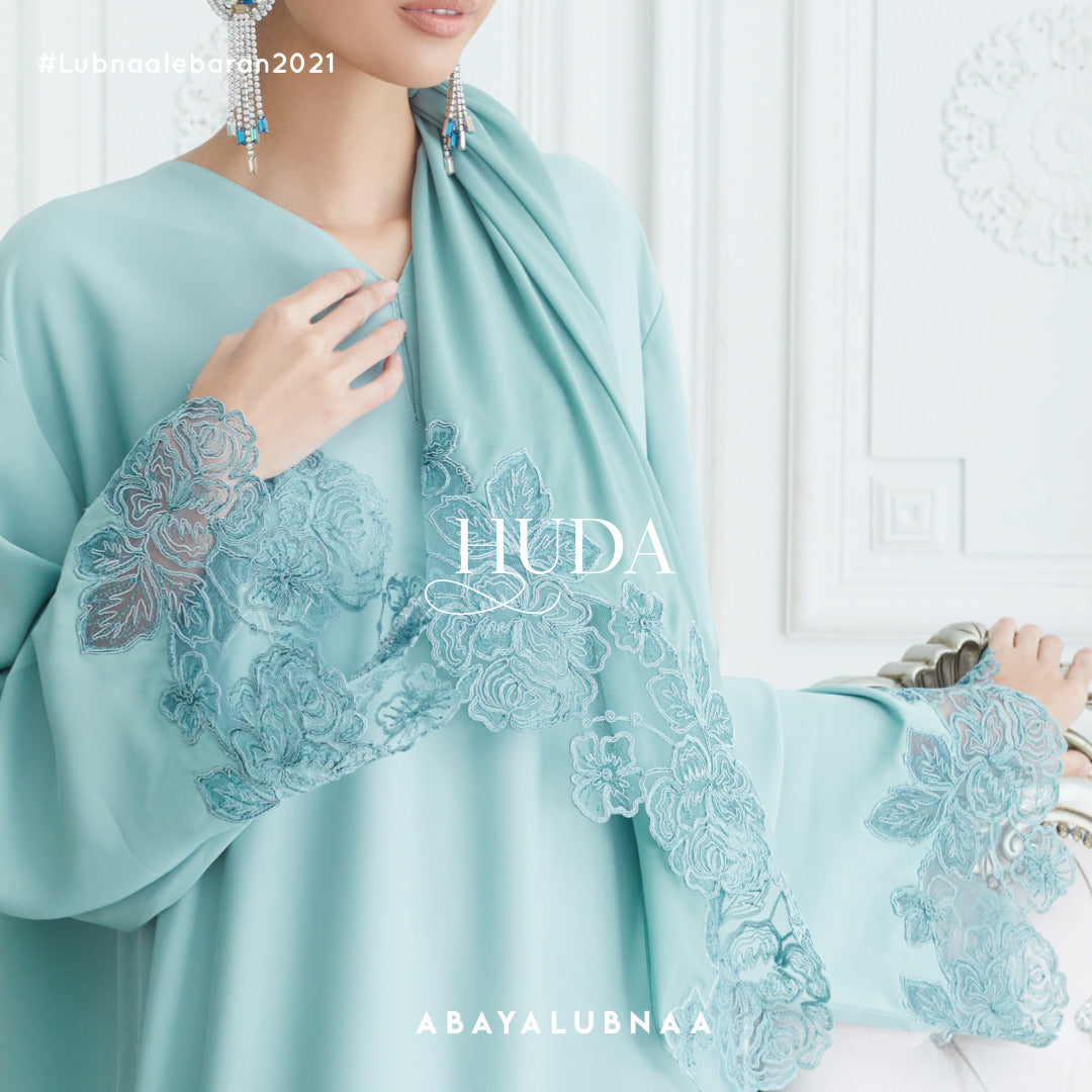 Huda Abaya -Tiffany Green (LUXE)