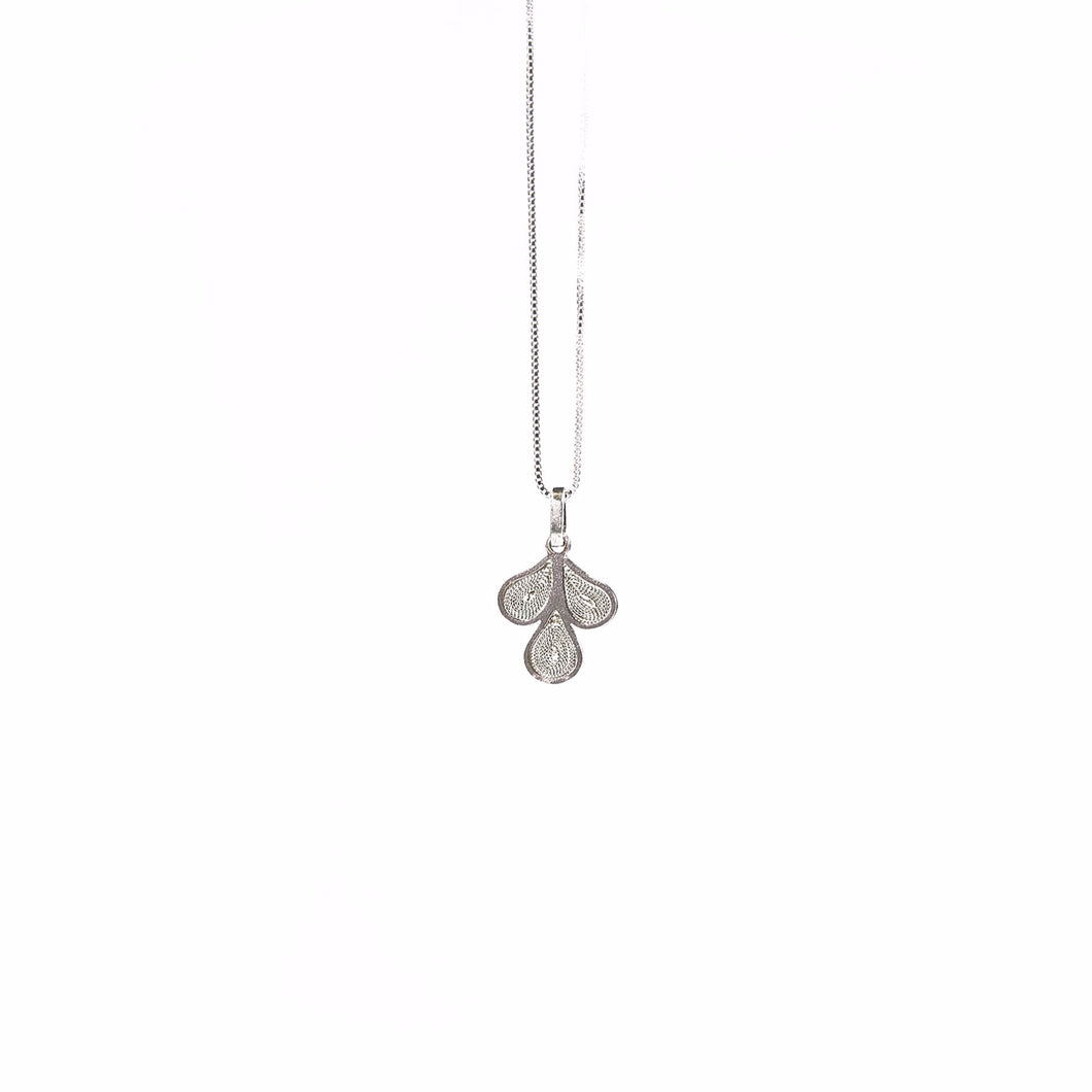 3 leaves pendant, silver necklace
